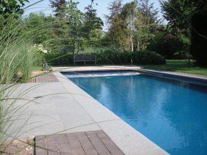 Omgebouwd zwembad naar zwemvijver